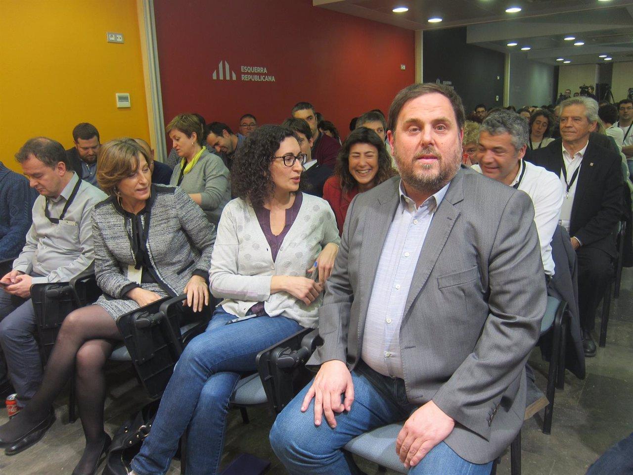 A.Bosch (ERC) C.Forcadell (pta.Parlament) M.Rovira O.Junqueras (ERC)