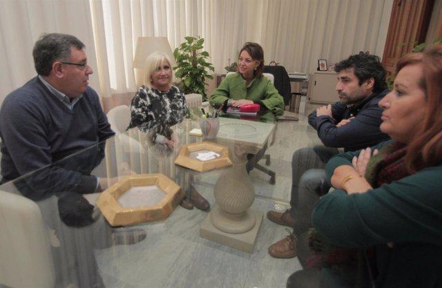 Reunión de la alcaldesa y el edil con la Asociación Contra el Cáncer