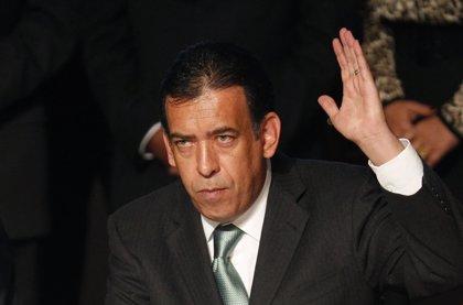 El expresidente del PRI mexicano Humberto Moreira, detenido en Barajas