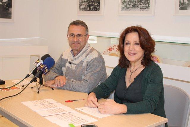 Alarcón y Reguero informan de los visitantes del CAC de Vélez