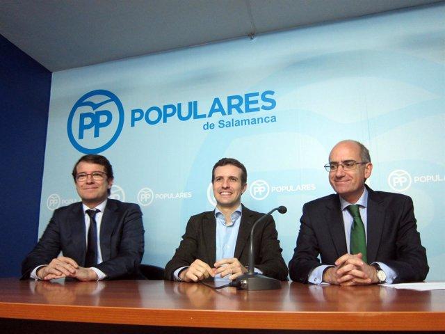 Pablo Casado (centro) con Fernández Mañueco 8iza) y Javier Iglesias