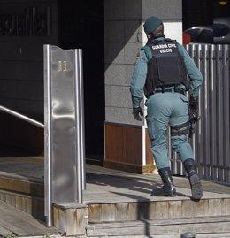 La Guardia Civil registra la sede de Acuamed