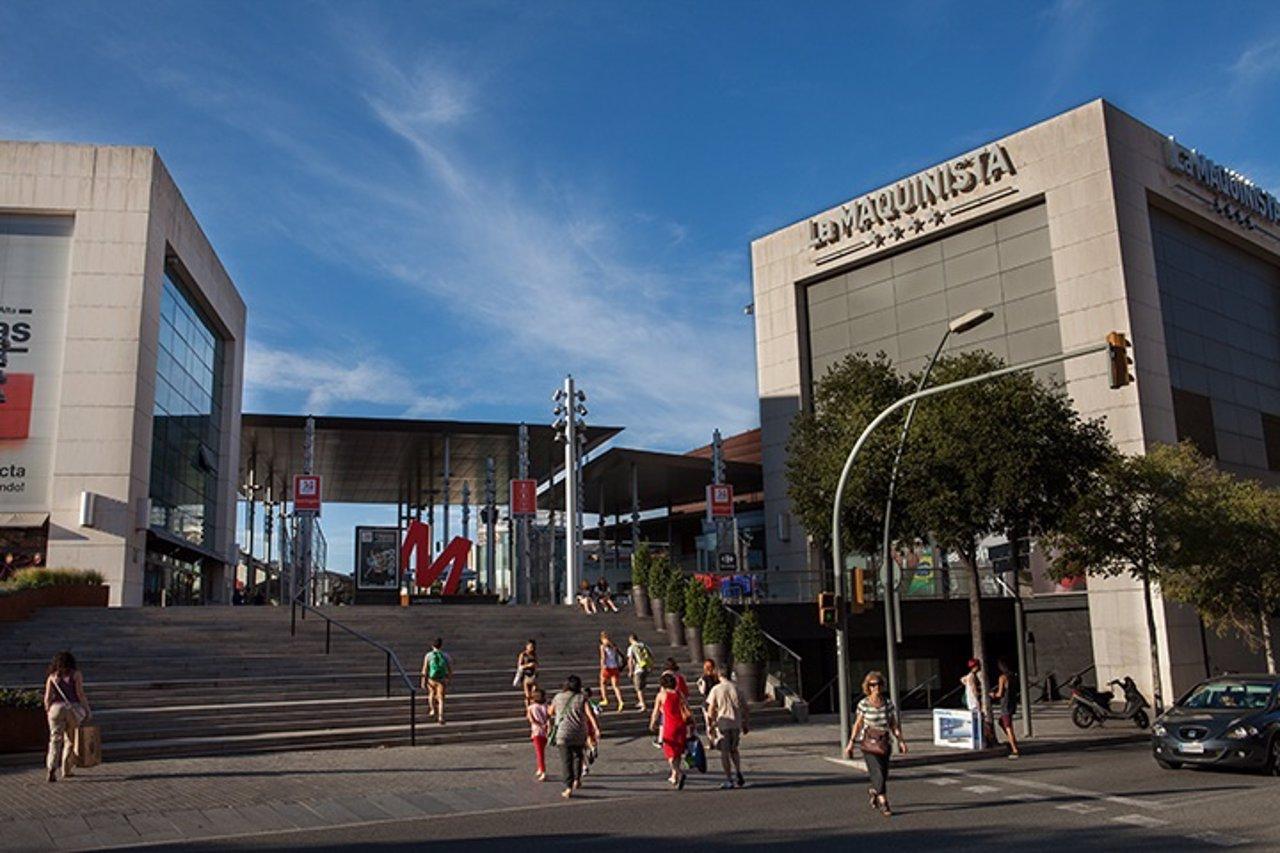 La maquinista bate r cord con 16 6 millones de visitantes en 2015 - Centro comercial maquinista barcelona ...