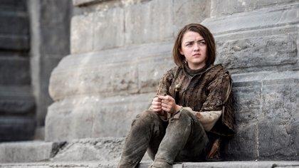 """Juego de Tronos y Jon Snow: Maisie Williams promete un gran """"giro"""" en la 6ª temporada"""