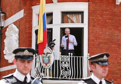 Ecuador pide a Suecia que presente una nueva solicitud para interrogar a Assange
