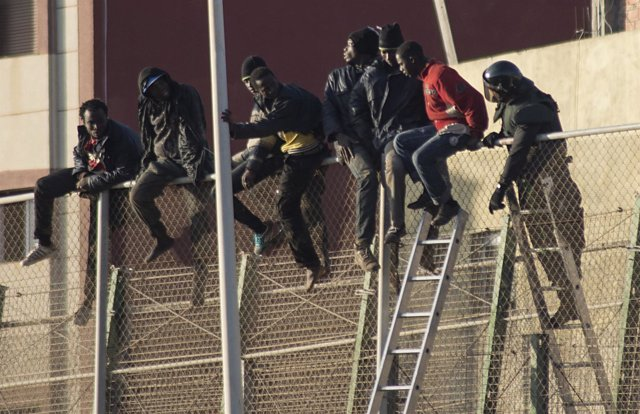 Inmigrantes, salto valla melilla