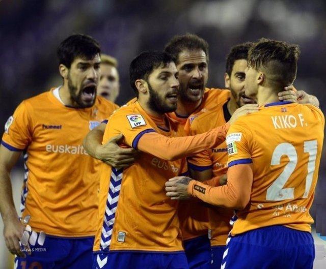 El Deportivo Alavés se coloca líder de Segunda