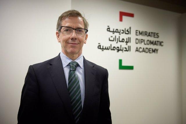 Bernardino León, nuevo director de la Academia Diplomática de Emiratos