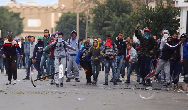 Manifestantes en Kasserine, Túnez