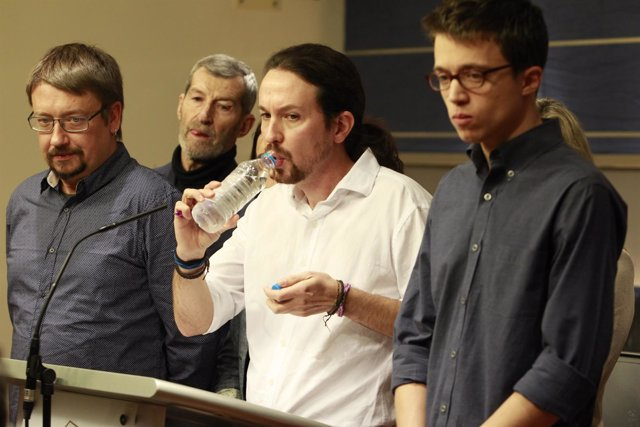 Pablo Iglesias,  Xavier Domenech e Iñigo Errejón en rueda de prensa