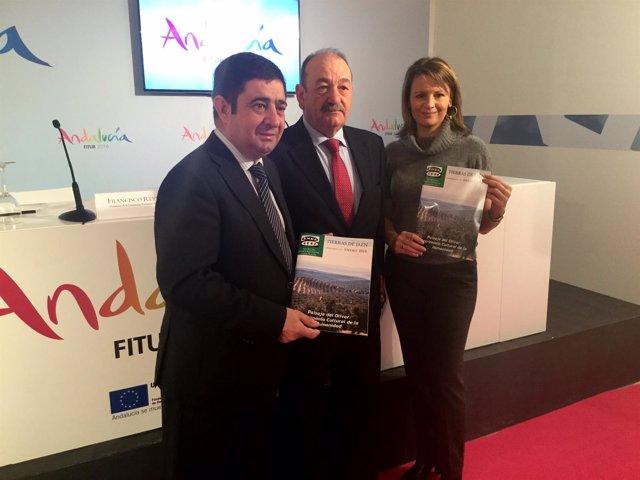 Presentación del número doce de la revista 'Tierras de Jaén' en Fitur.