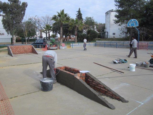 Construcción de una pista de skate en Carmona