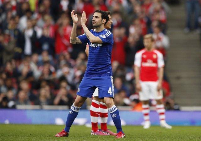 El Chelsea empata ante el Arsenal y se acerca al título.