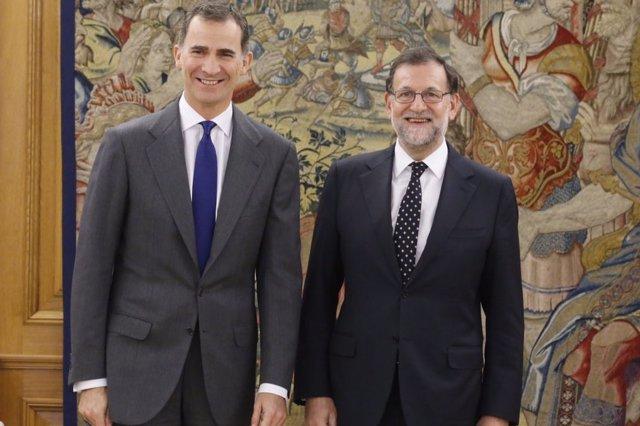 El Rey Felipe VI recibe a Mariano Rajoy