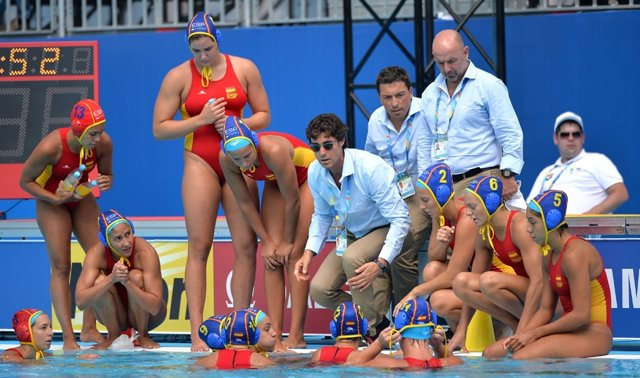 El seleccionador del equipo español de waterpolo femenino Miki Oca