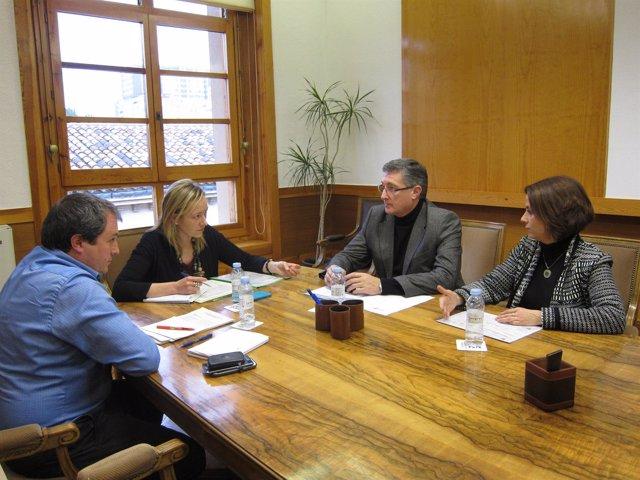 Gastón y Blasco se han reunido este lunes en el edificio Pignatelli en Zaragoza