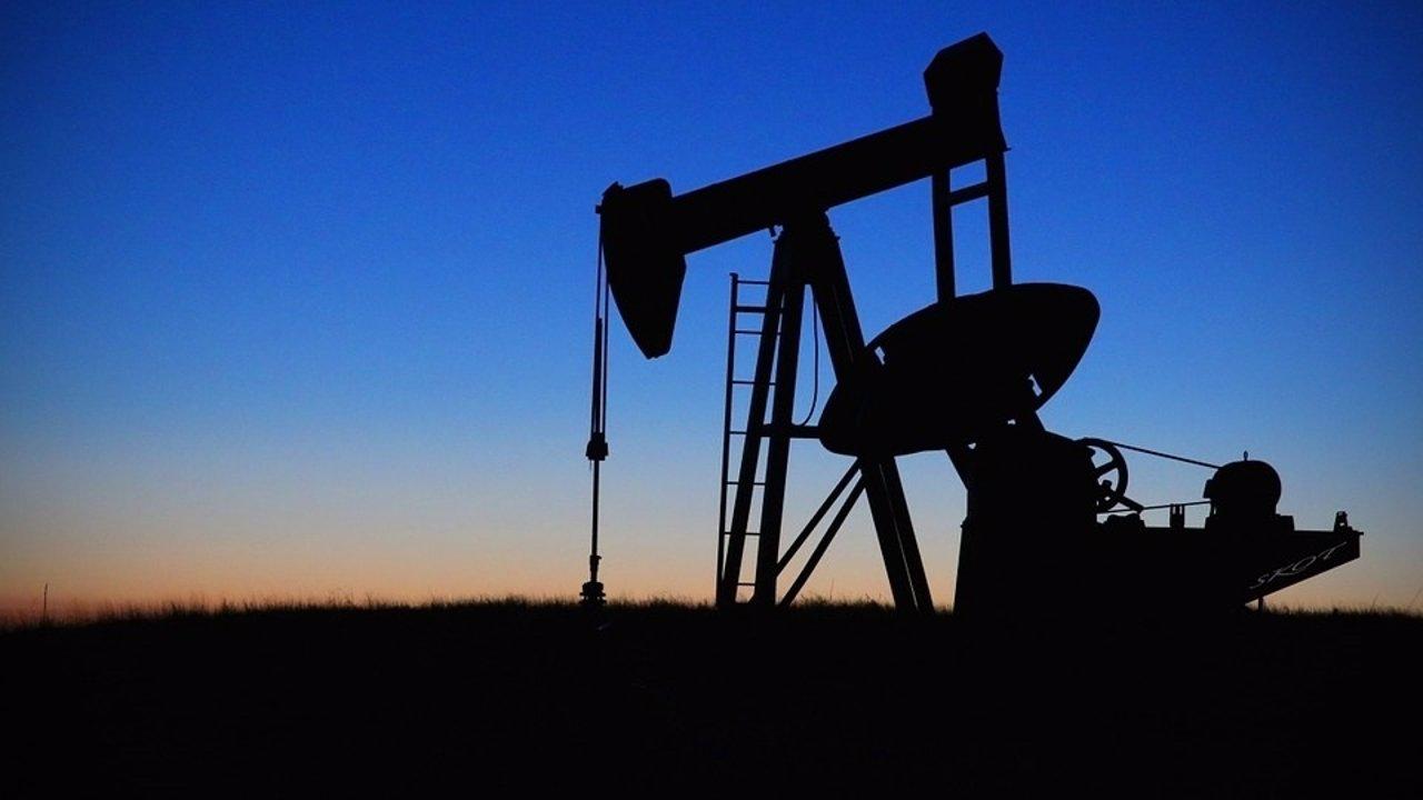 El petróleo, en mínimos