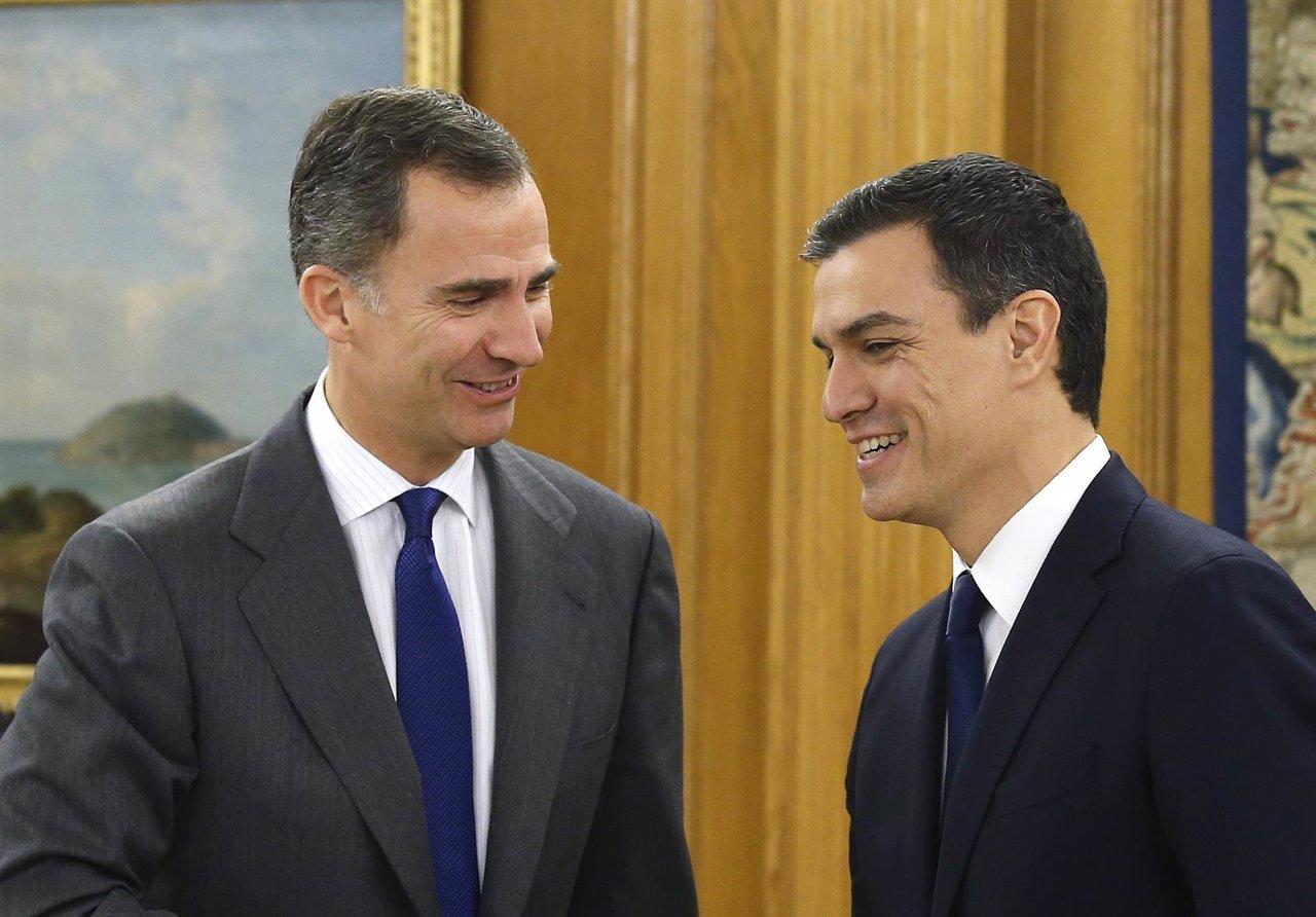 El rey Felipe VI recibe al secretario general del PSOE, Pedro Sánchez