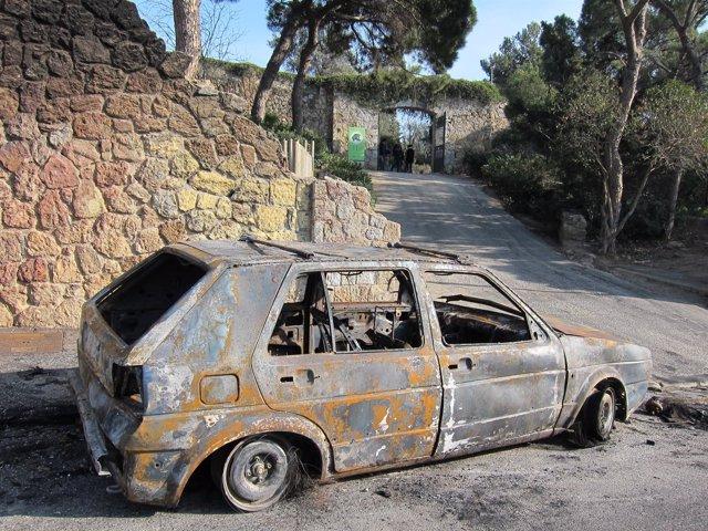 Los Mossos centran la investigación en el primer coche de los incendiados