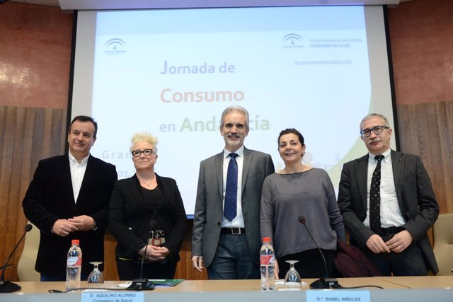 El consejero de Salud asiste en Granada la Jornada de Consumo.