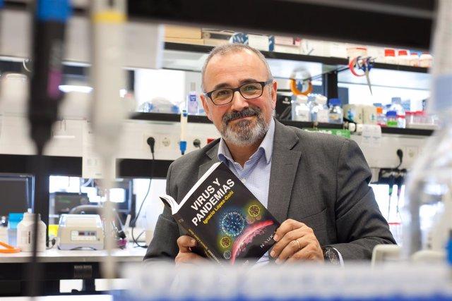 Ignacio López-Goñi, catedrático de Microbiología de la Universidad de Navarra
