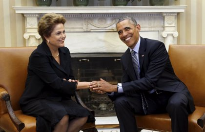 """Obama y Rousseff abogan por """"desarrollar mejores vacunas"""" ante la propagación del virus zika"""