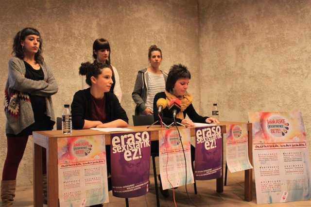 Presentación de la campaña 'Jaiak Aske Gozamenez Bete' de Gora Iruñea