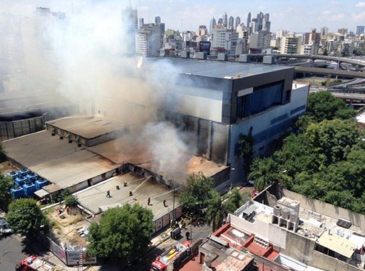 Los Bomberos apagan un incendio que ha afectado a los estudios de ...