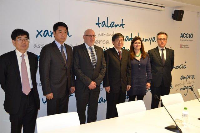 Firma de un acuerdo entre la Generalitat y el Gobierno de China