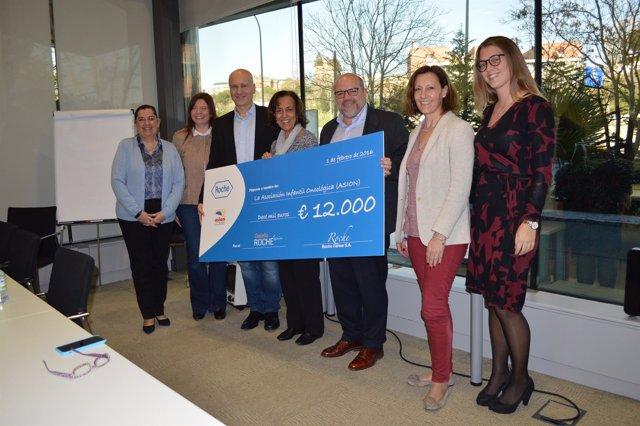 Roche farma dona 12.000 europs a ASION