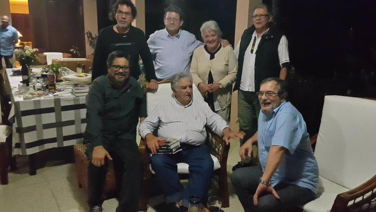Las FARC se reunen en La Haban con Mujica