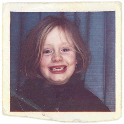 Divertida portada de Adele (niña y mellada) para su nuevo single: When we were young
