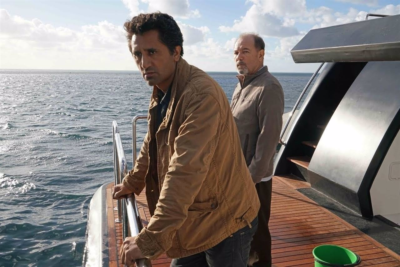 Los supervivientes de Fear The Walking Dead huyen por mar.