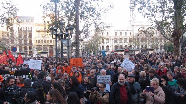 Ciudadanos se manifiestan contra la corrupcción