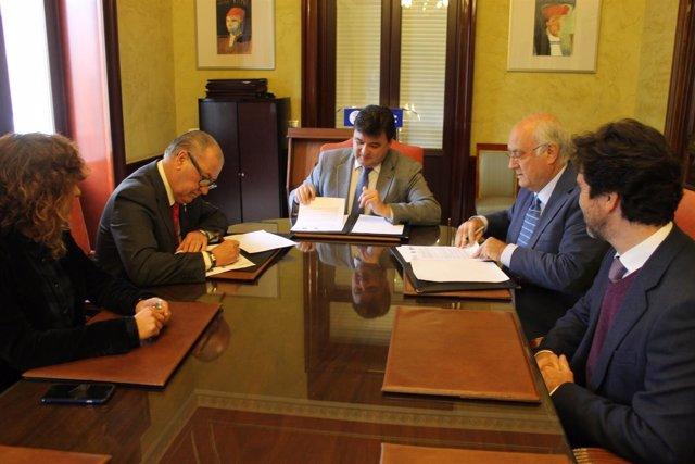 Convenio de asistencia al costalero de Huelva capital.