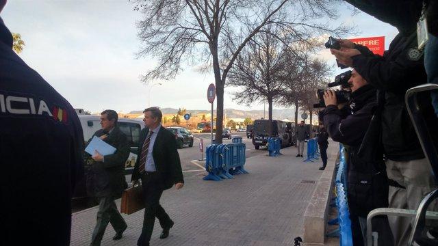 Llegada de Jaume Matas a la Audiencia de Baleares