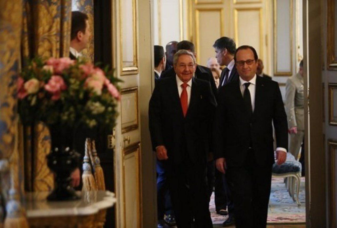 Raúl Castro y Francois Hollande
