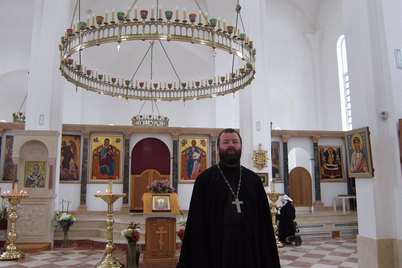Párroco de la Iglesia Ortodoxa Rusa de Madrid, el padre Andrey Kórdochkin