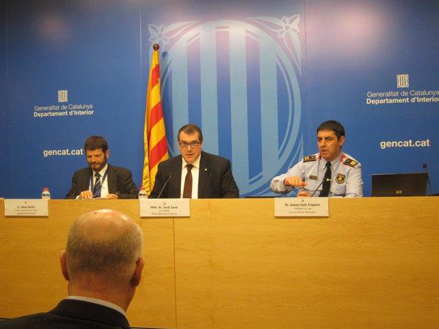 Conseller Jordi Jané, dtor.Mossos Albert Batlle, comisario jefe Josep L. Trapero