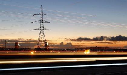 Chile inicia transmisión de energía hacia Argentina
