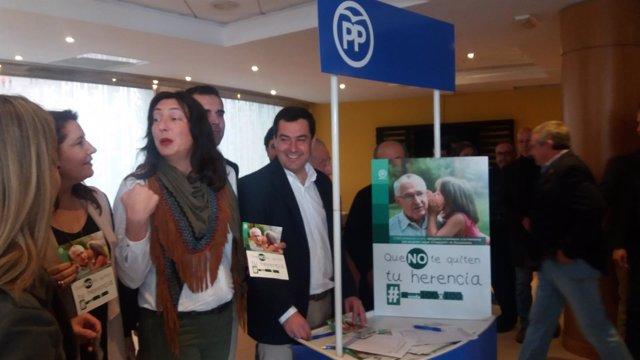 Moreno en un descanso del Consejo Regional de Alcaldes en Almería