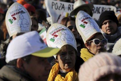 La calles de Ecatepec se visten de gala para recibir al Papa Francisco