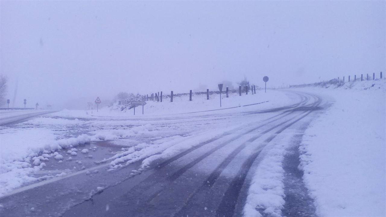 Nieve en carreteras (Archivo)