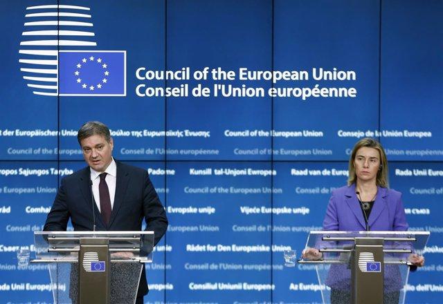 Primer ministro de Bosnia, Denis Zvizdic, y Federica Mogherini en diciembre