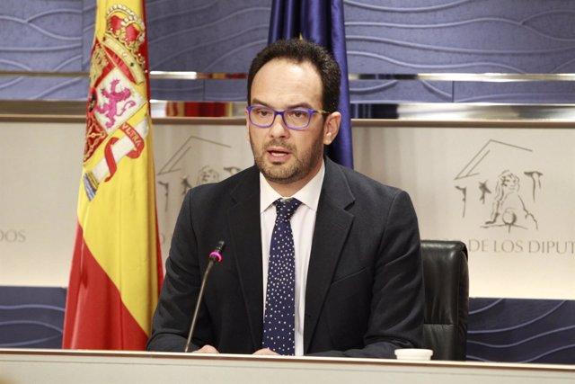 Antonio Hernando tras las primera reunión de la Junta de Portavoces