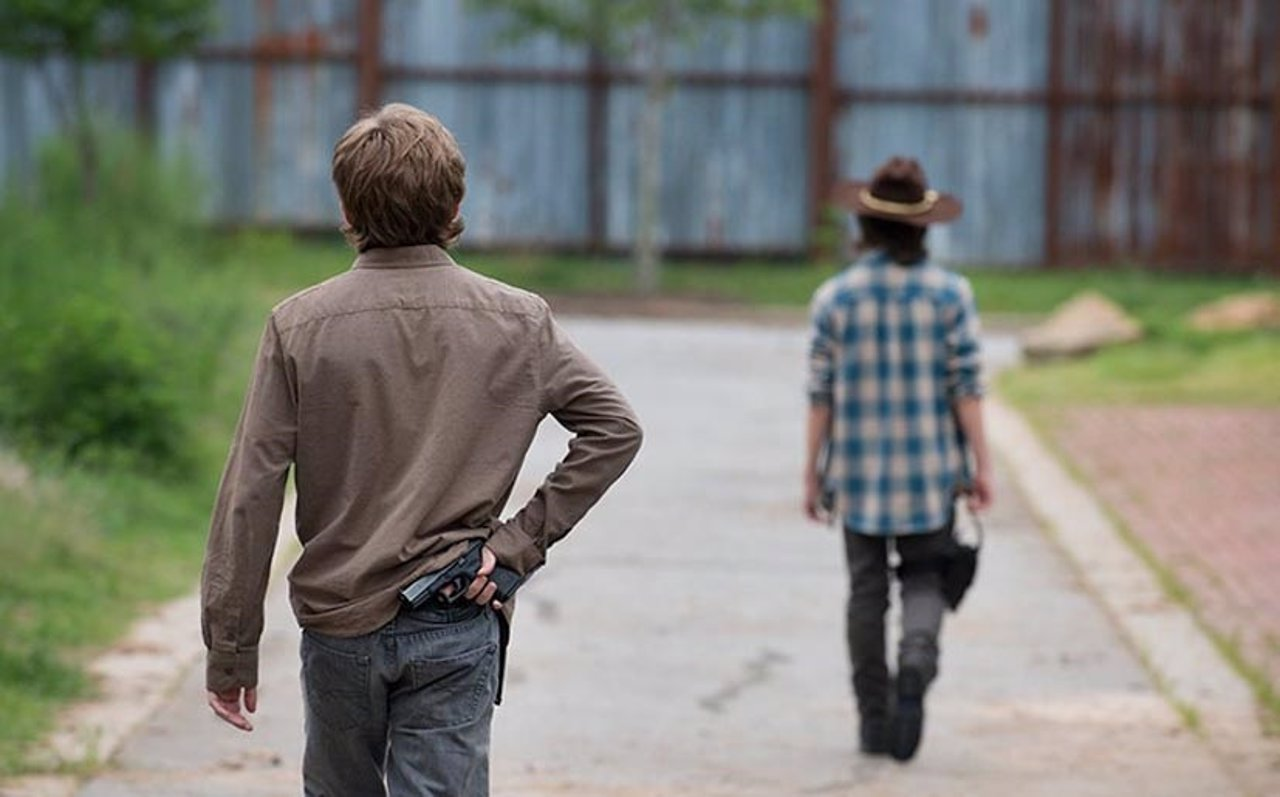Carl y Ron en la sexta temproada de The Walking Dead