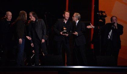 Vídeo: Jackson Browne y el resto de los Eagles homenajean a Glenn Frey en los Grammy