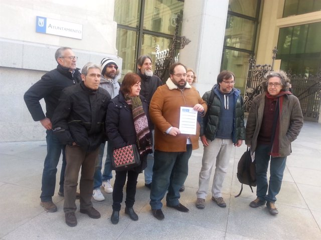 Entidades ciudadanas piden hablar con Carmena sobre reforma de Plaza de España
