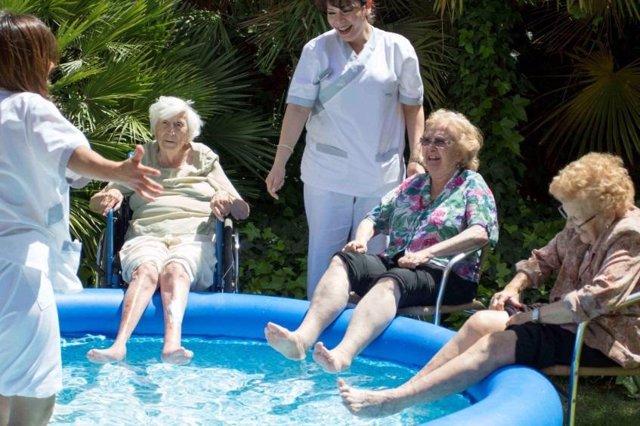En verano, los mayores también practicasn deportes acuáticos
