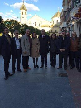 Durán (centro), con miembros del Comité Provincial del PSOE cordobés